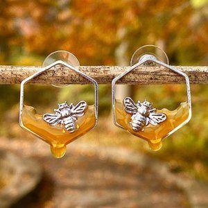 NWT Silver Bee Honeybee Honey earrings Pierced
